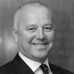 Photo of Dr Ian Abbs