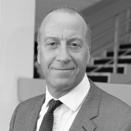 Photo of Professor Nicholas Peters